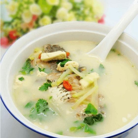 简单版鲫鱼豆腐汤