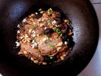 美味的三文鱼排炖黄豆的做法图解九