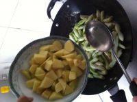 家常芸豆烧土豆的做法图解十四