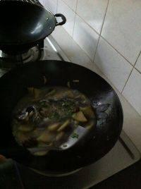 美味苹果鲫鱼汤