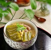 苦瓜黄豆猪骨汤