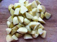 家常芸豆烧土豆的做法图解三