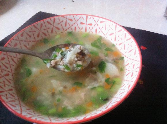 杂蔬板鸭藜麦粥