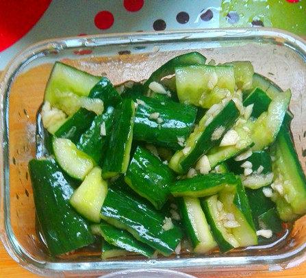 营养丰富的凉拌黄瓜