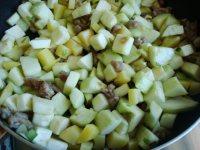 肉沫土豆茄子丁的做法图解六