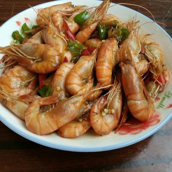 五味俱全的红焖大虾