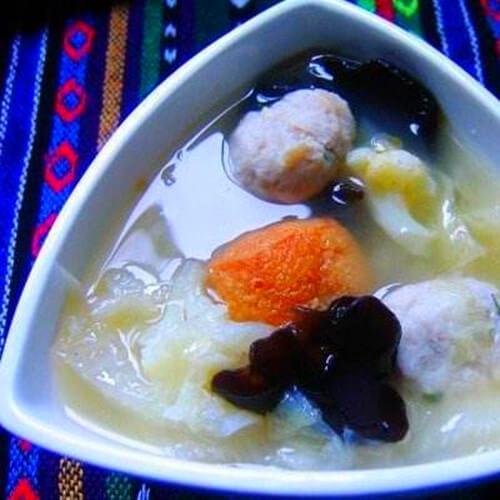 營養的油豆腐白菜肉骨湯