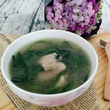 营养的嫩肉菠菜汤