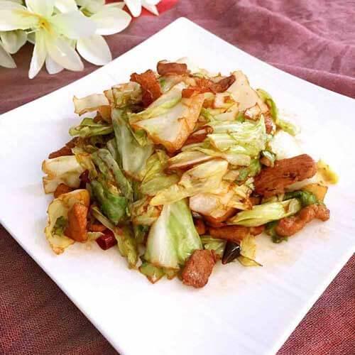 家常菜茭白香肠炒圆白菜