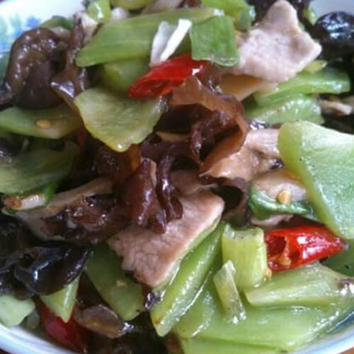 家常泡椒萵筍肉片