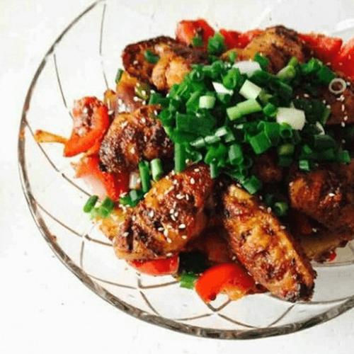美味的干鍋土豆片雞翅