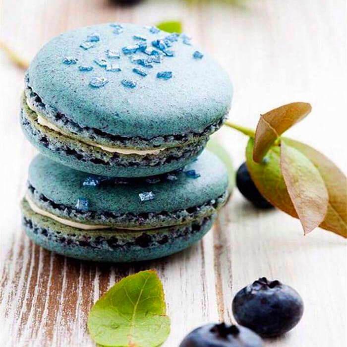 好吃的馬卡龍夾心之白巧藍莓
