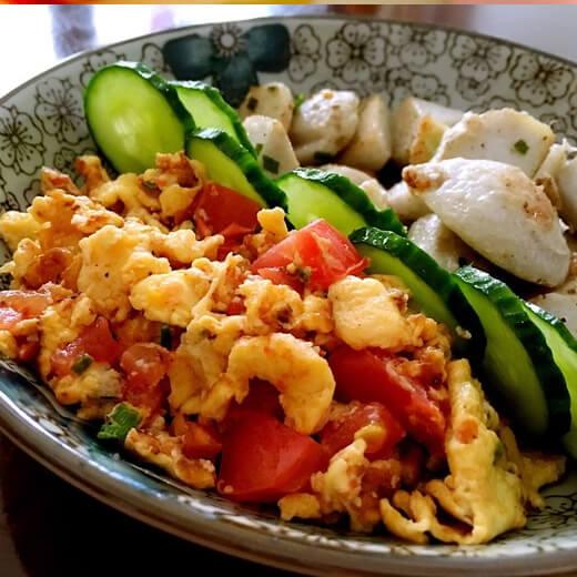 美味黄瓜西红柿炒鸡蛋肉