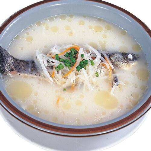鲜香的白瓜鲫鱼汤