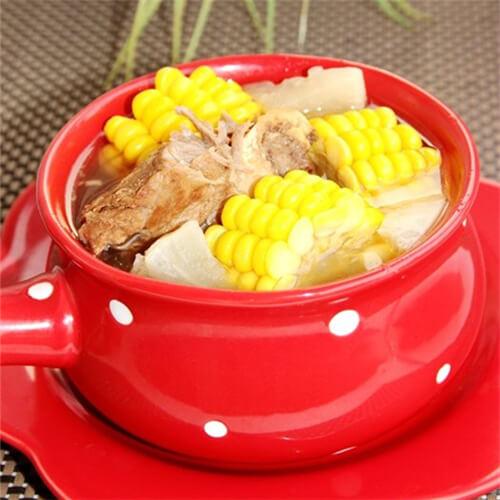 可口的玉米棒骨汤