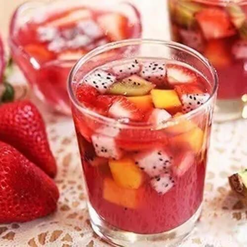 甜甜的奇异果果冻饮料