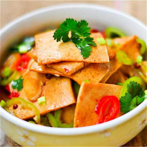 美味的青菜炒千页豆腐