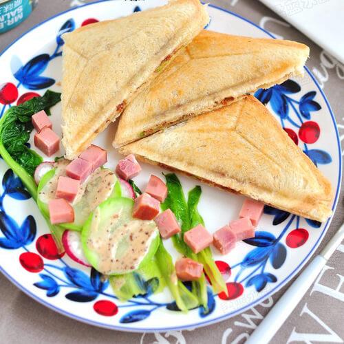 美味三文鱼罐头三明治