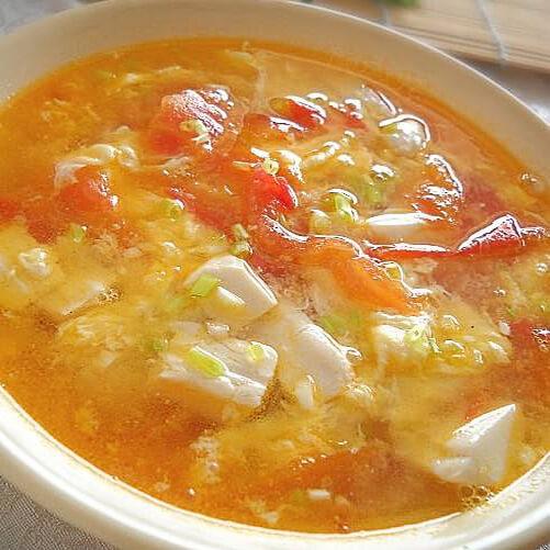 美味的蕃茄豆腐鸡蛋汤