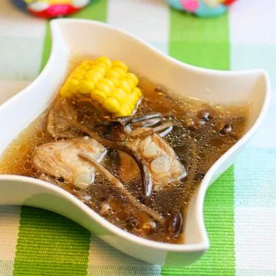 家常茶樹菇玉米排骨湯