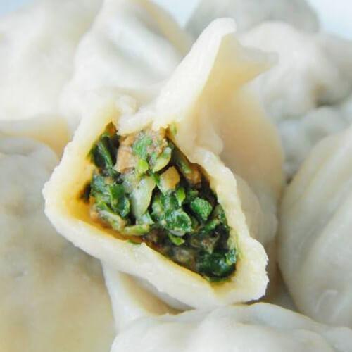 美味的翡翠荠菜饺子