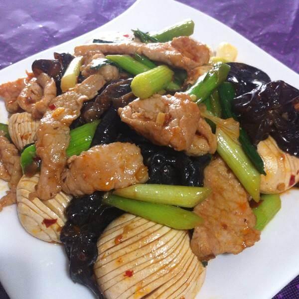 美味的香菇青菜炒肉片