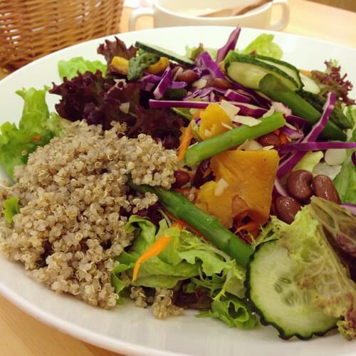 美味的藜麥蔬菜沙拉