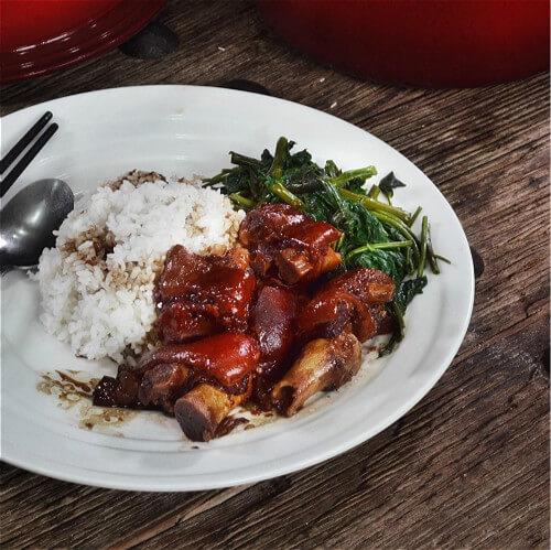 好吃的红烧猪蹄白米饭