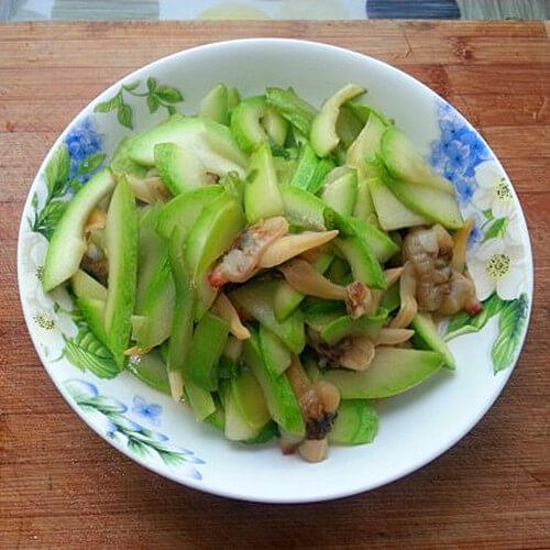 清炒西葫芦炒蚬肉