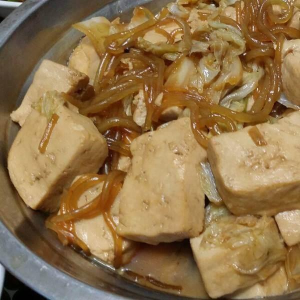 美味的白菜豆腐粉條湯