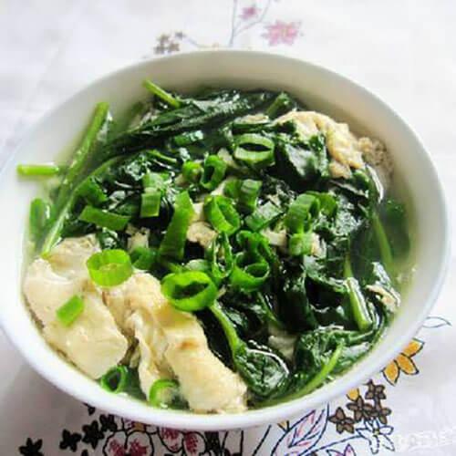 鮮鮮的空心菜葉湯