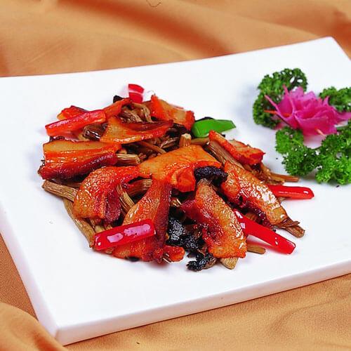 美味快手的红菜椒炒五花肉