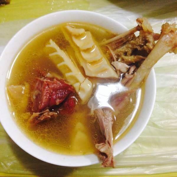 美味的笋干老鸭汤