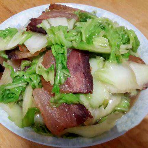 好吃的咸肉炒圆白菜