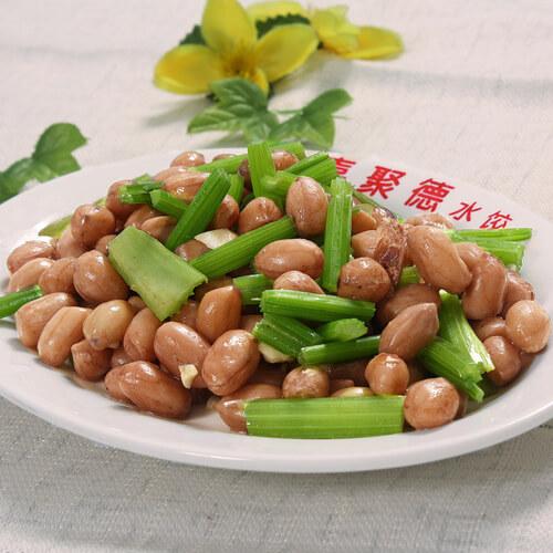 美味快手菜五花肉花生米炒芹菜