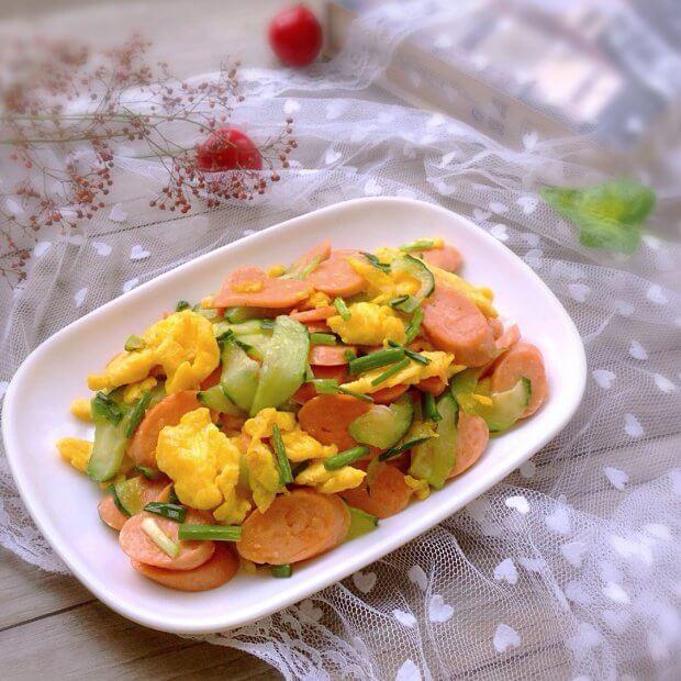 美味的西红柿鸡蛋炒火腿肠