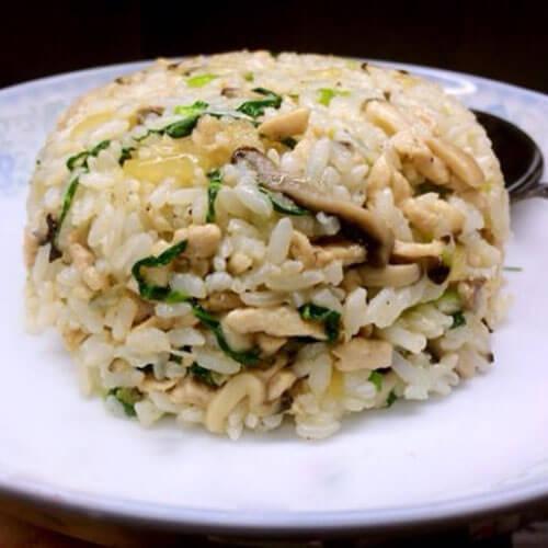 美味香菇青菜肉絲炒米飯