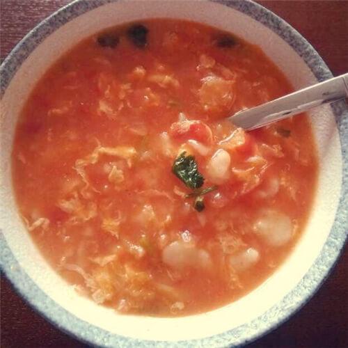 美味西红柿鸡蛋面疙瘩汤