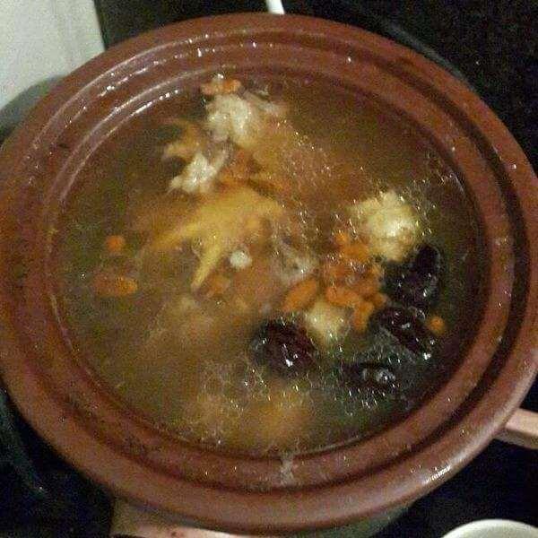 营养猪手玉竹汤