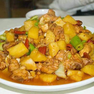 美味的安利煎炒锅大盘鸡