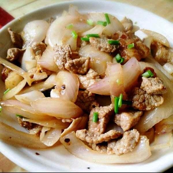 家常洋蔥香菇炒肉