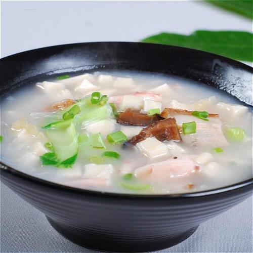 美味的白菜粉絲豆腐湯