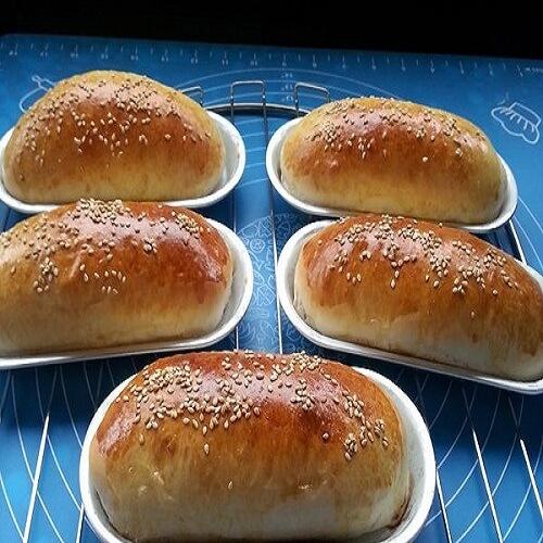 美味的热狗面包坯