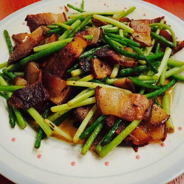 好吃的辣炒腊肉豇豆