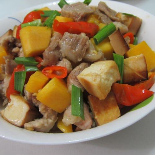 自制西红柿豆腐炒肉