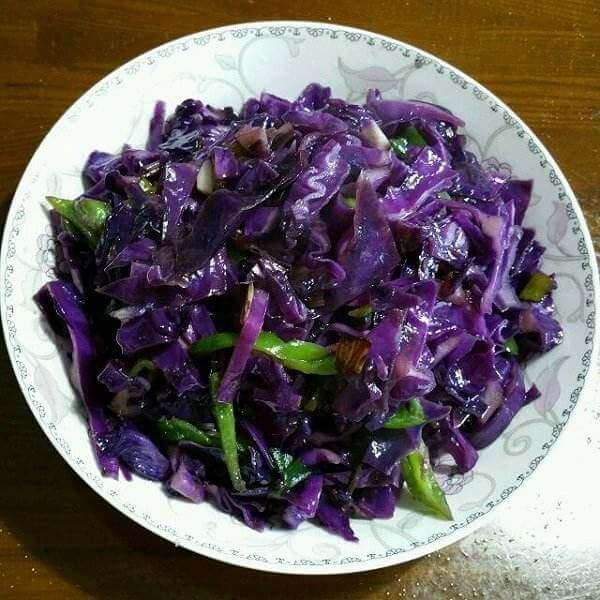 自制清炒紫包菜