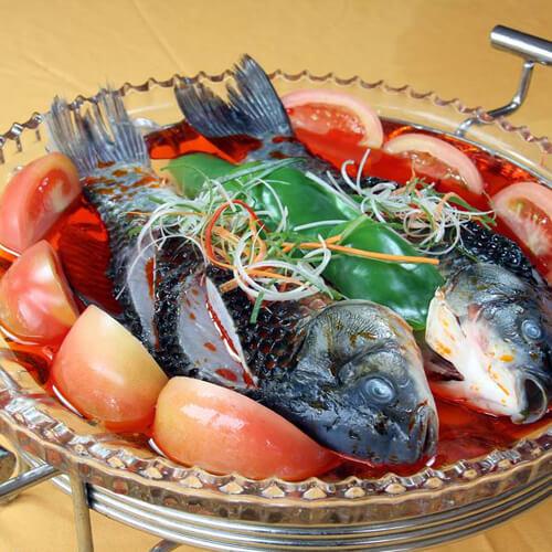 营养的鲫鱼炖西红柿