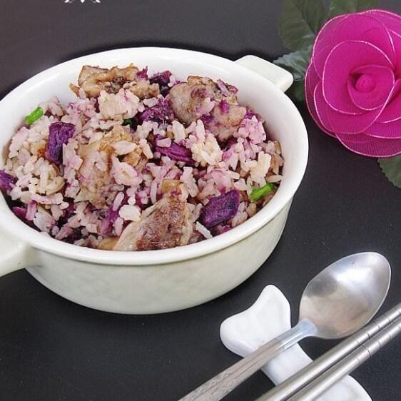 美味的排骨燉紫薯