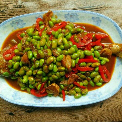 鲜美的毛豆子烧鳊鱼