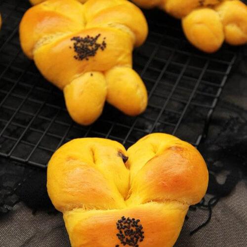 自制南瓜花式面包